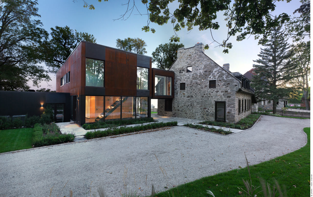 Bord-du-Lac House by Henri Cleinge