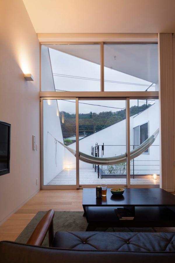 House-in-Ofuna-Level-Architects-20-hammock