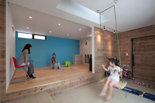 House-in-Ofuna-Level-Architects-8-swing