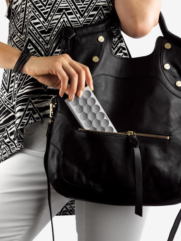 MINI-JAMBOX-Jawbone-6-purse