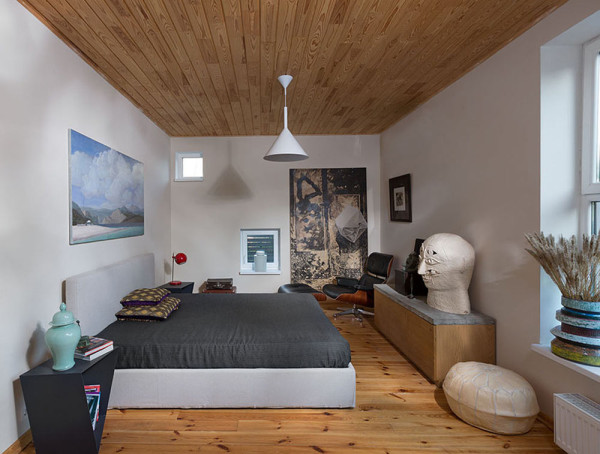 Serghii-Makhno-Friends-House-13-bedroom