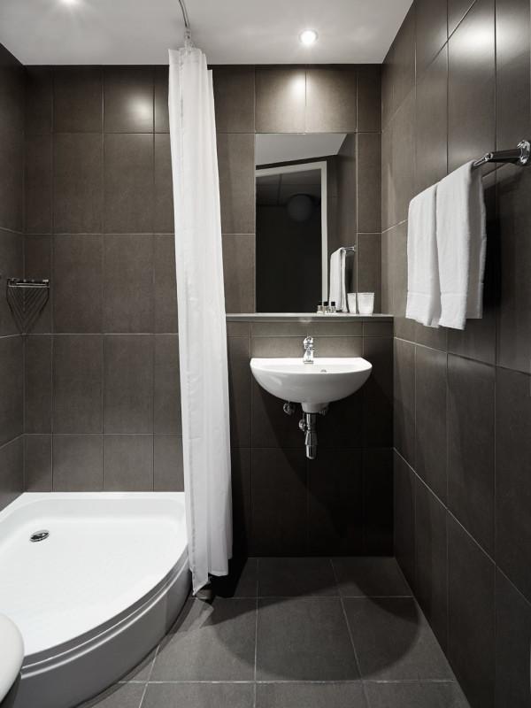 The-Student-Hotel-Amsterdam-7-bathroom