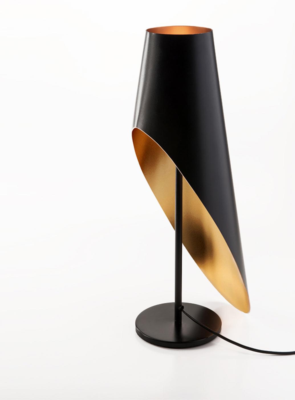 intrigue-lamp-gold-black-elegance-1