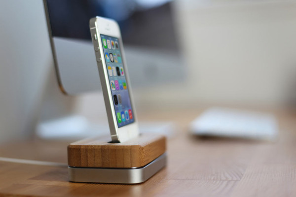 Groves New iPhone Dock in technology main  Category