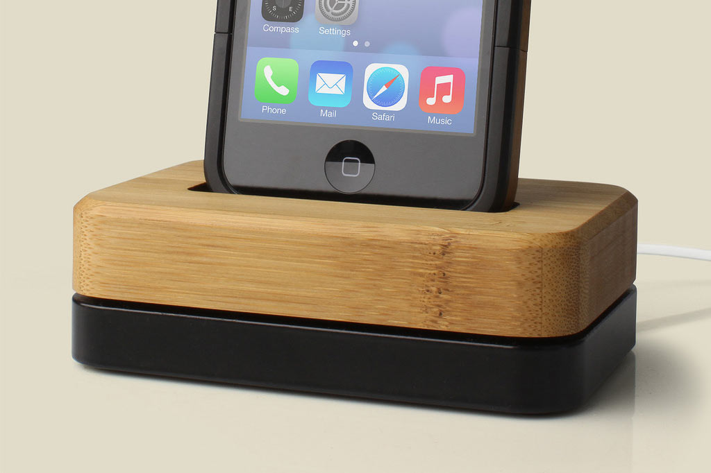 iphone-dock-bamboo-steel-5