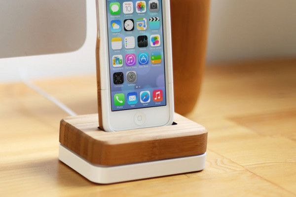 iphone-dock-bamboo-steel-6