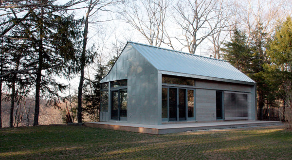 modern barn retreat guest house 600x329 - 23+ Modern Small Guest House Design PNG