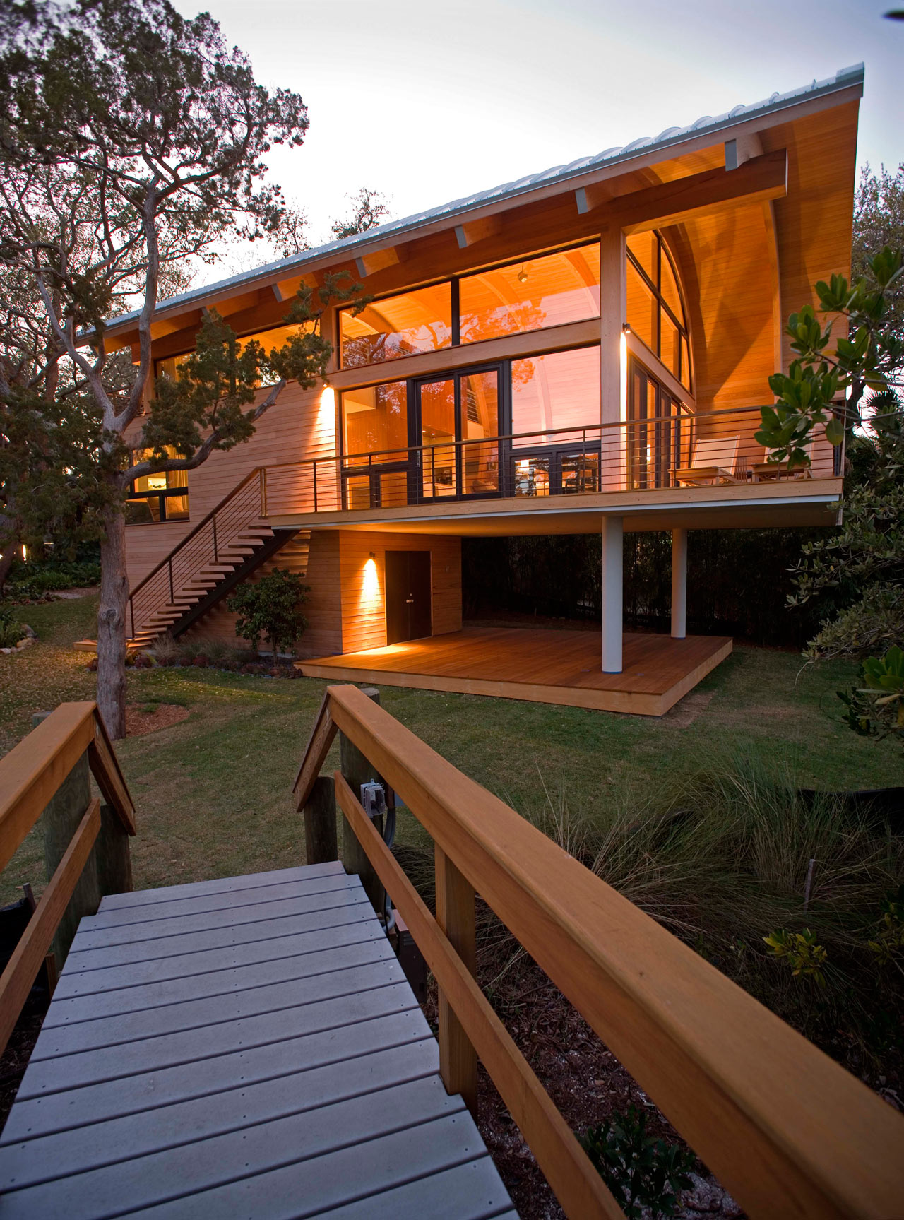 modern-treehouse-casey-key-bay-1