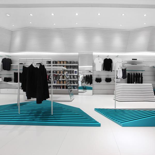modern-underwear-shop-icebergs