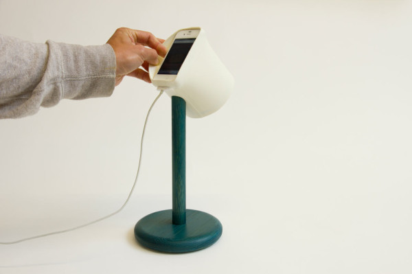 smart-light-iphone-lamp-dock-raw-edges-10