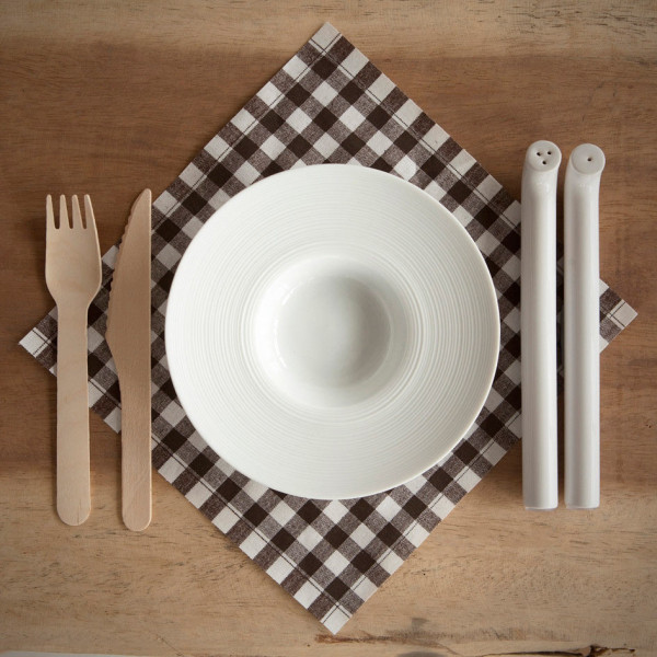 straw-salt-pepper-shakers-5