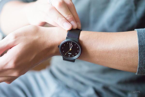 braun_watch/leibal