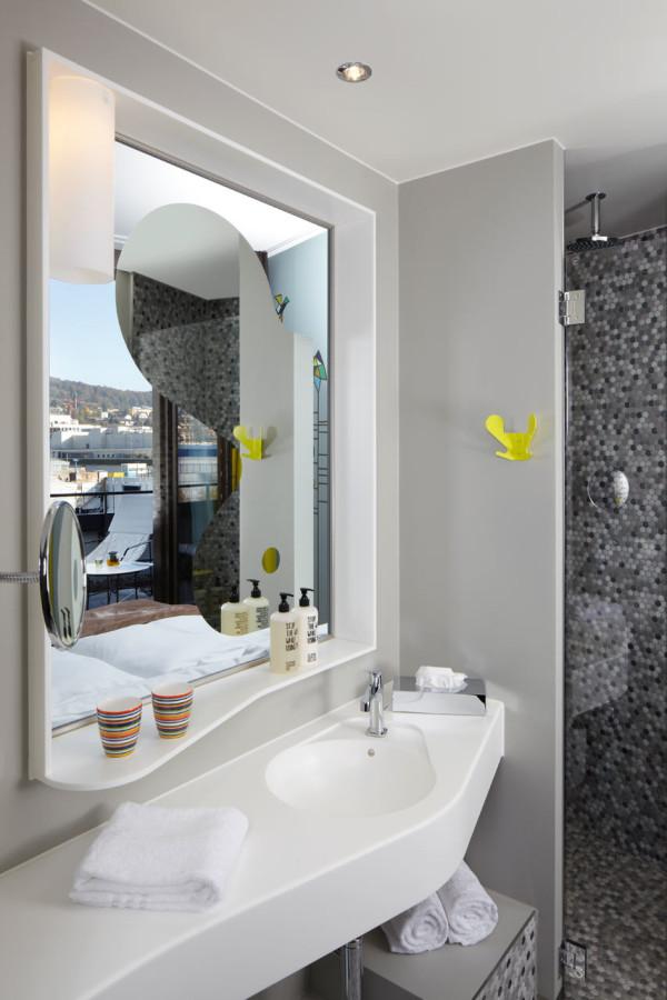 25-Hours-Hotel-Zurich-17-bath