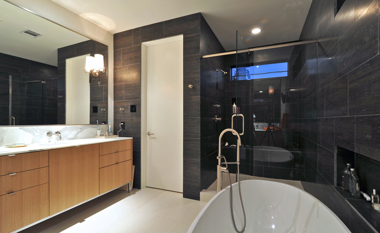 Albans-Residence-StudioMET-architects-14-bathroom