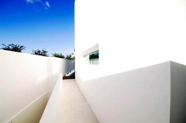 CUMBRES-DOCE-House-SOSTUDIO-Sergio-Orduna-Architects-10