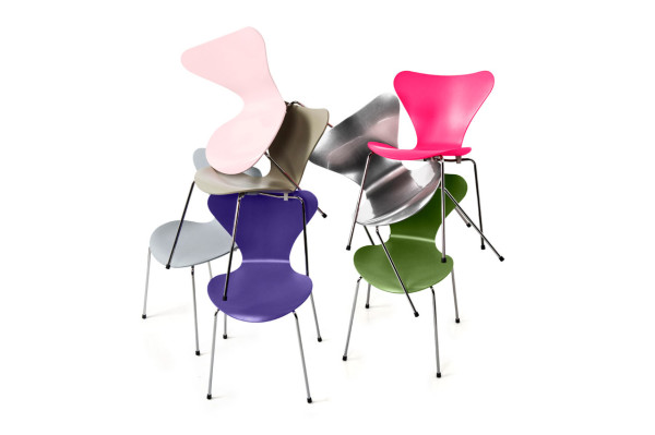 Series 7 Chairs by Arne Jacobsen in main home furnishings  Category