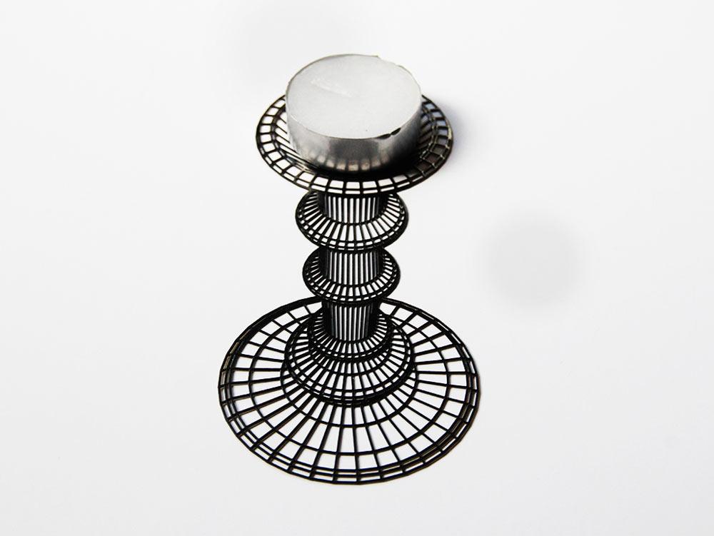 Flatlight – A Candleholder That Looks 3D
