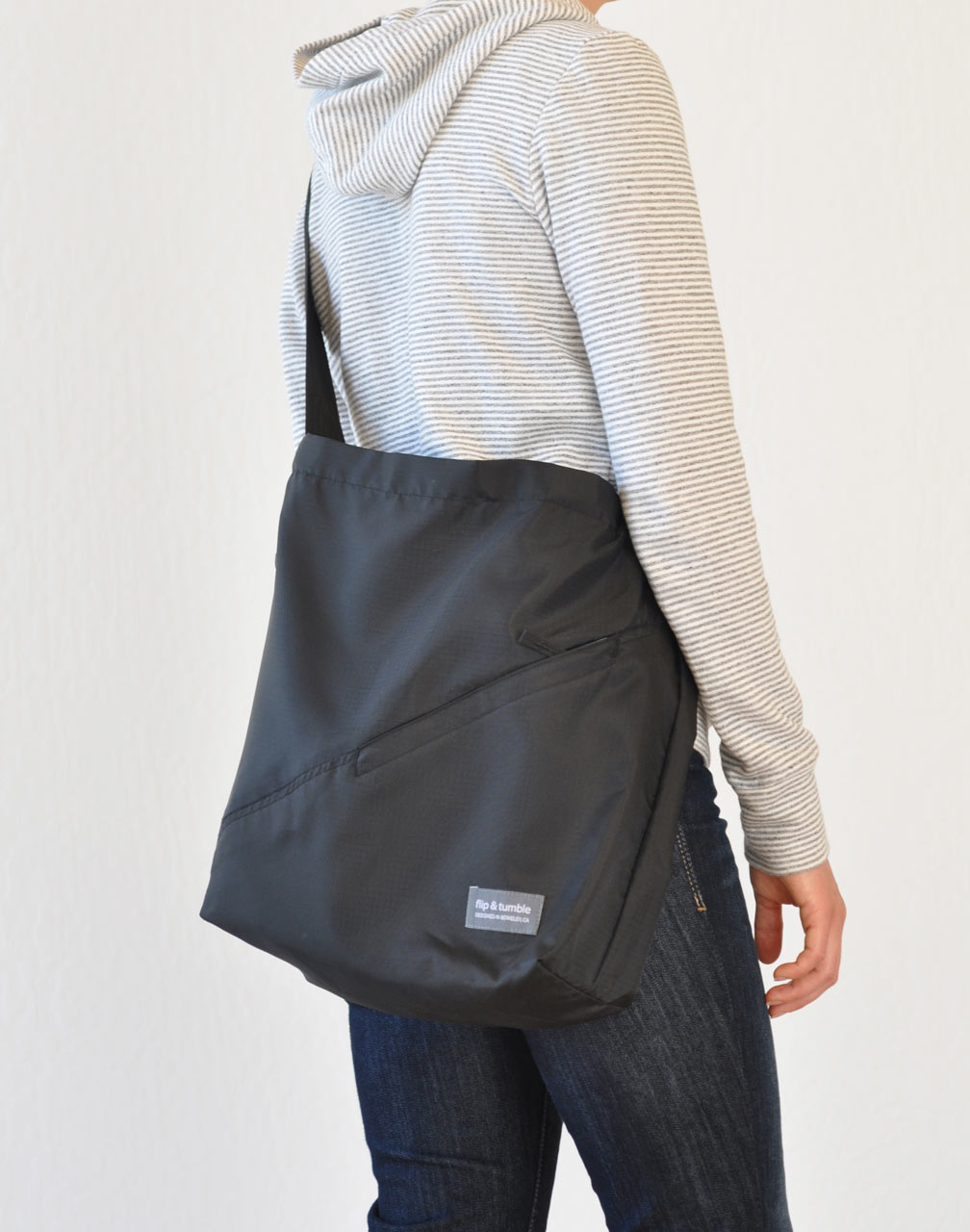 Flip-and-Tumble-Cross-Body-Bag-4