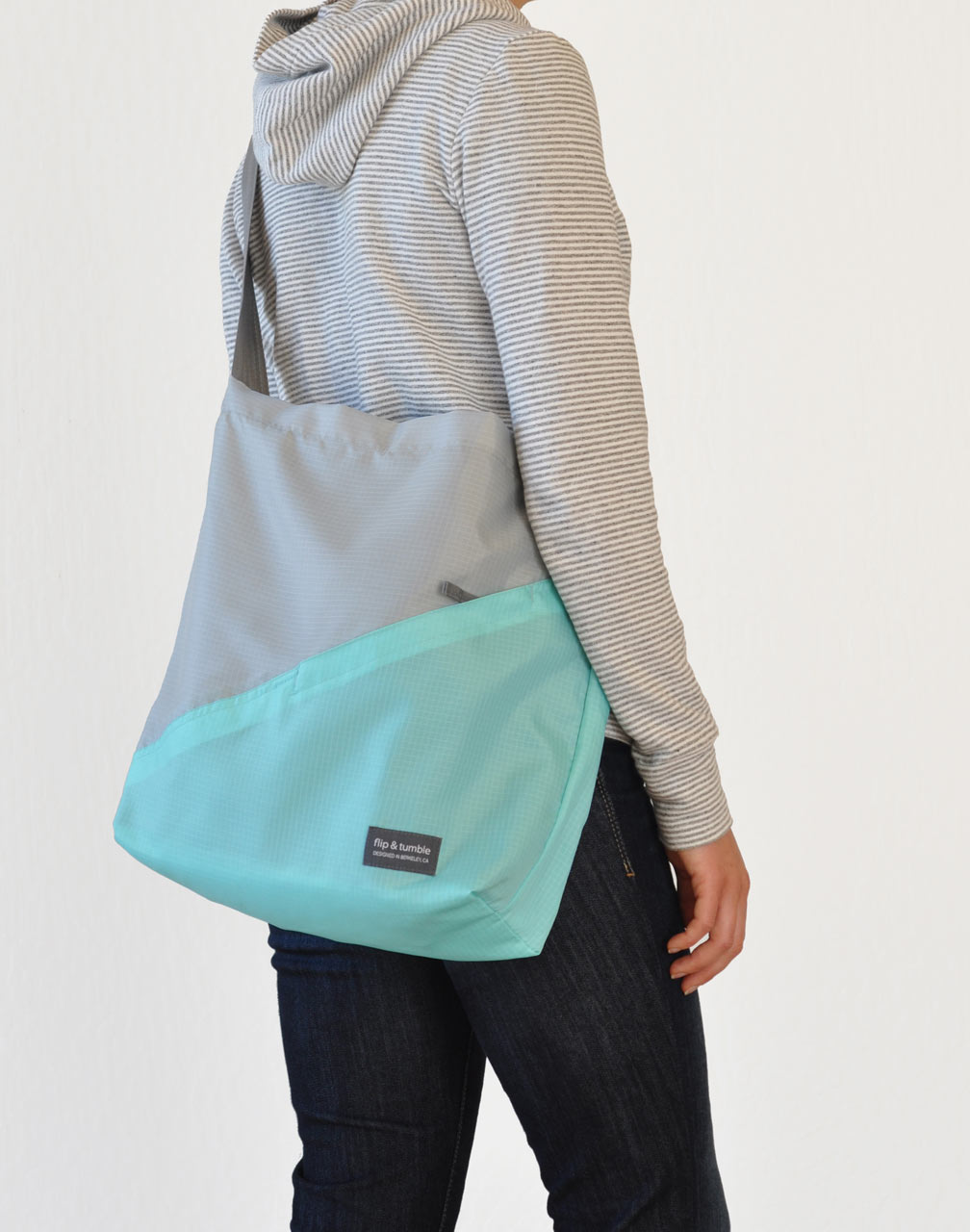 Flip-and-Tumble-Cross-Body-Bag-5