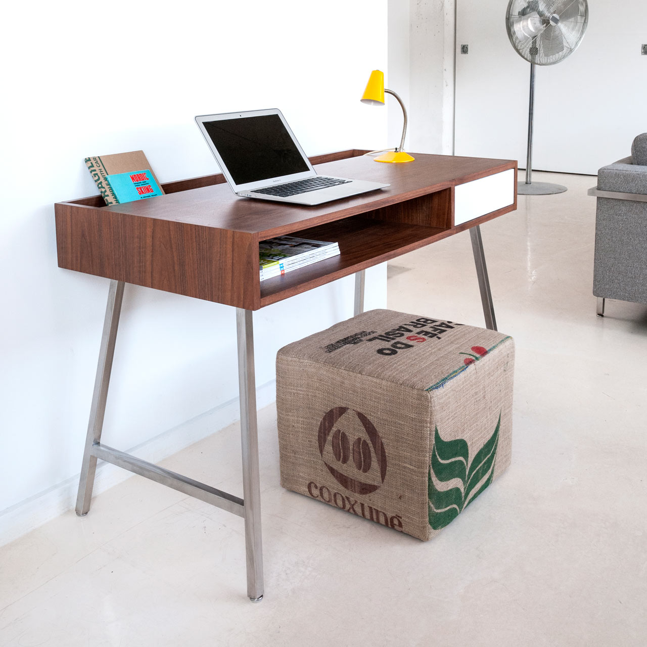 The perfect office stoa kitap bookshelf modern desks Modern desk design