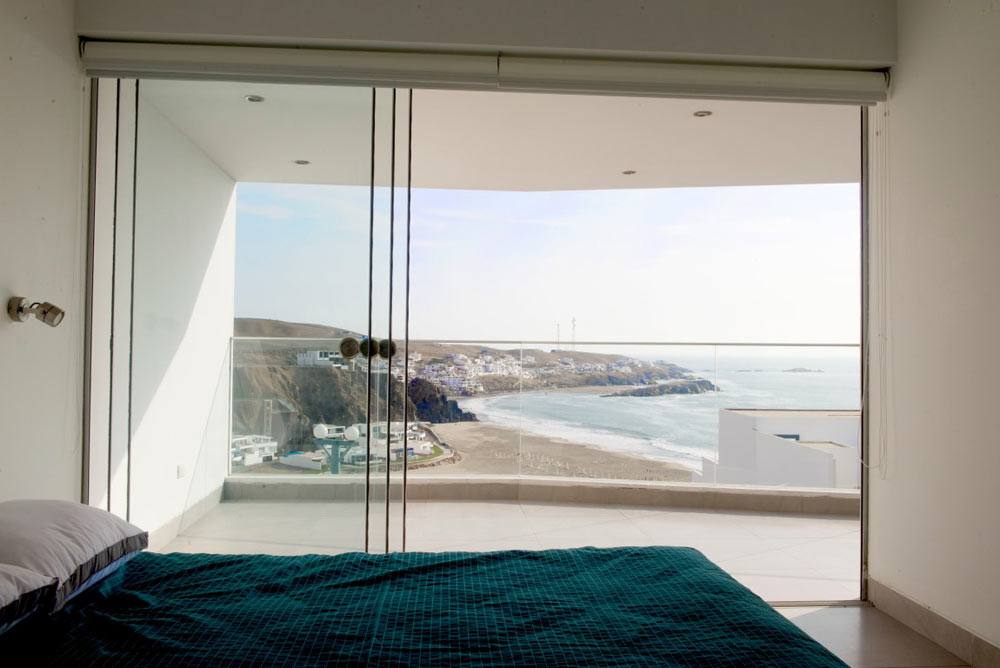 J-4--Beach-House-Vertice-Arquitectos-6-bedroom-view