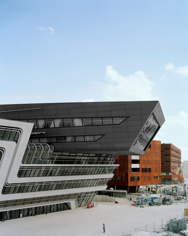 Library-Learning-Centre-Zaha-Hadid-2