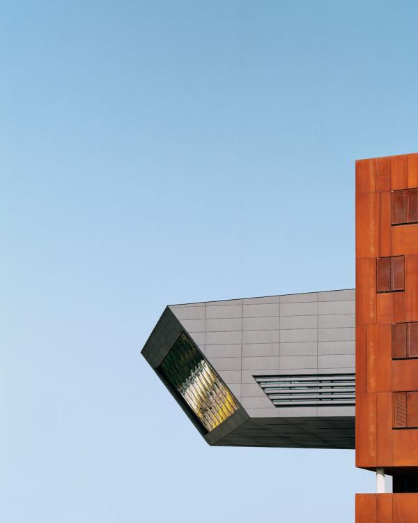 Library-Learning-Centre-Zaha-Hadid-4