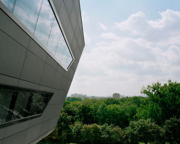 Library-Learning-Centre-Zaha-Hadid-5