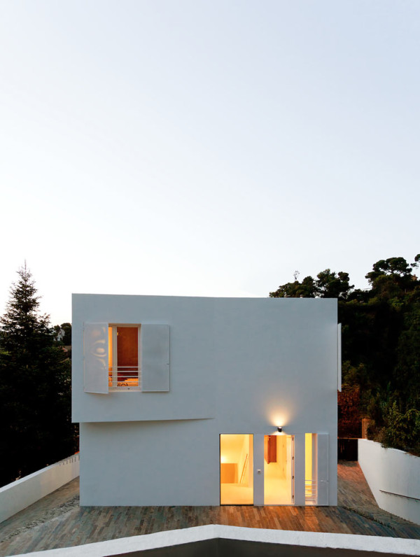 Compact White Cube House by YLAB Arquitectos in main architecture  Category