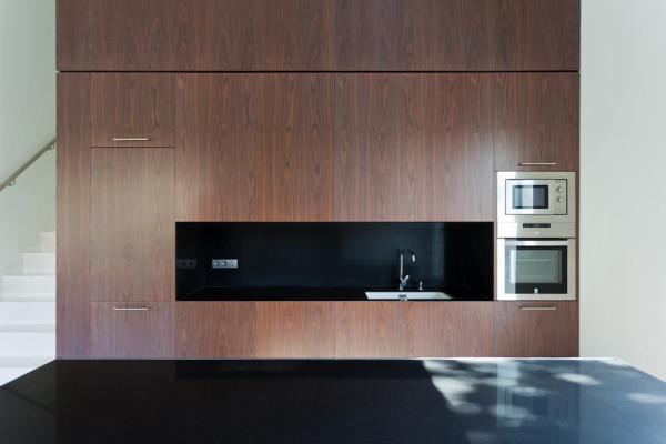 Vallvidrera-House-YLAB-arquitectos-6-kitchen