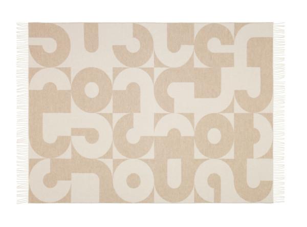 Vitra-Blankets-3-Girard-beige