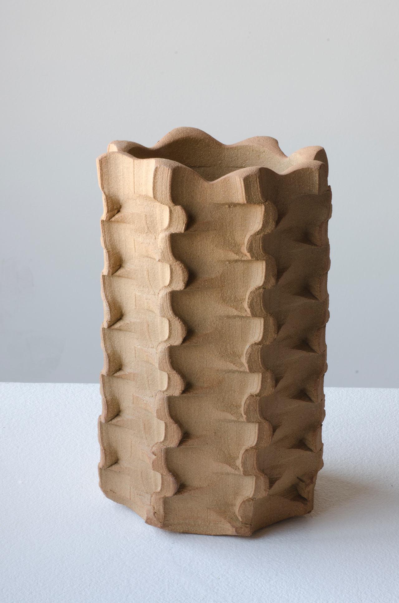 bolt-vase-ceramic