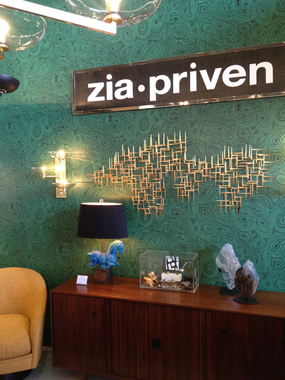 zia-priven-westedge-booth-design-lighting