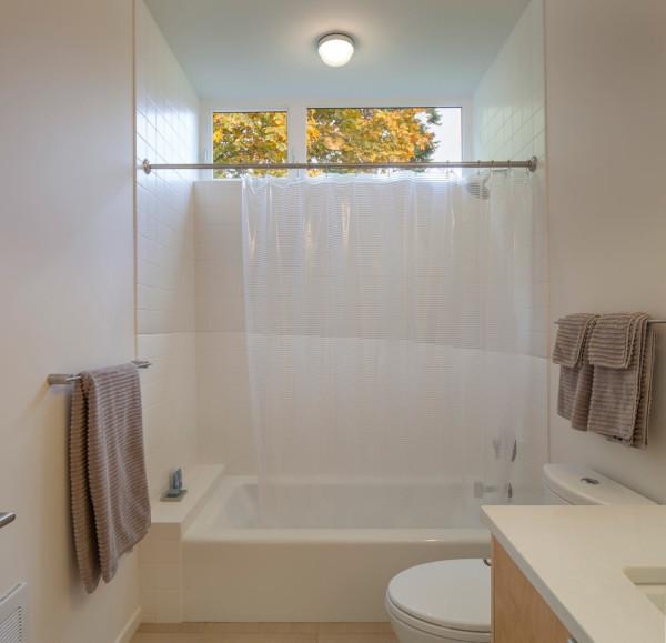 Chris-Pardo-Method-Homes-Marrowstone-Island-14-bathroom