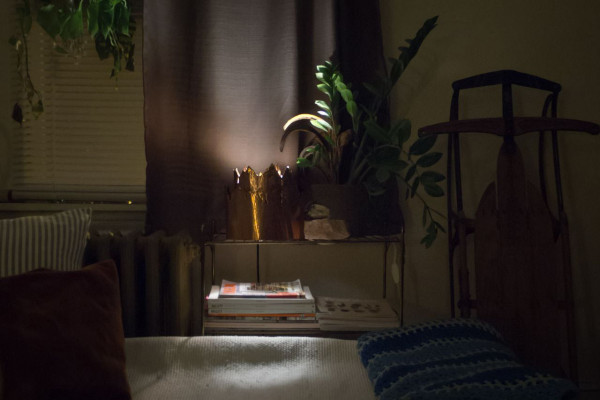 DIY-Make-it-Modern-Brutalist-Lamp-Night