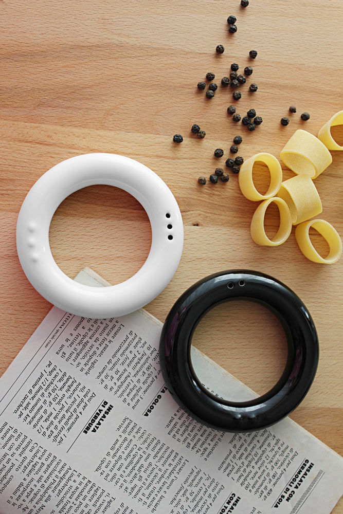 FelFel-Salt-Pepper-Shaker-Rings-3