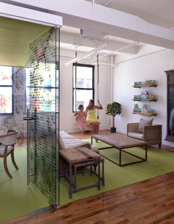 GoGo-squeeZ-Playful-Office-4a