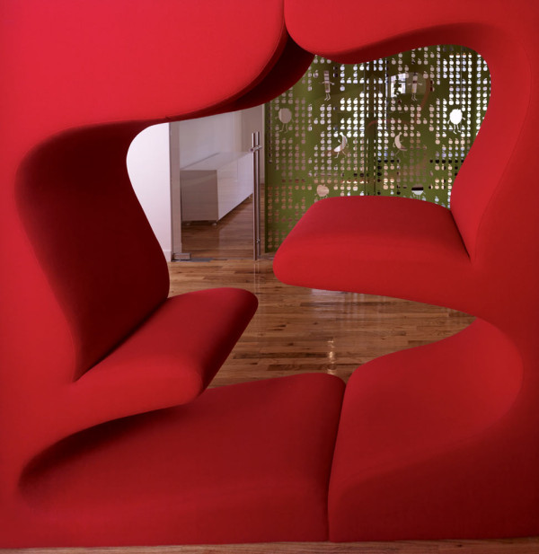 GoGo-squeeZ-Playful-Office-7-red-seat