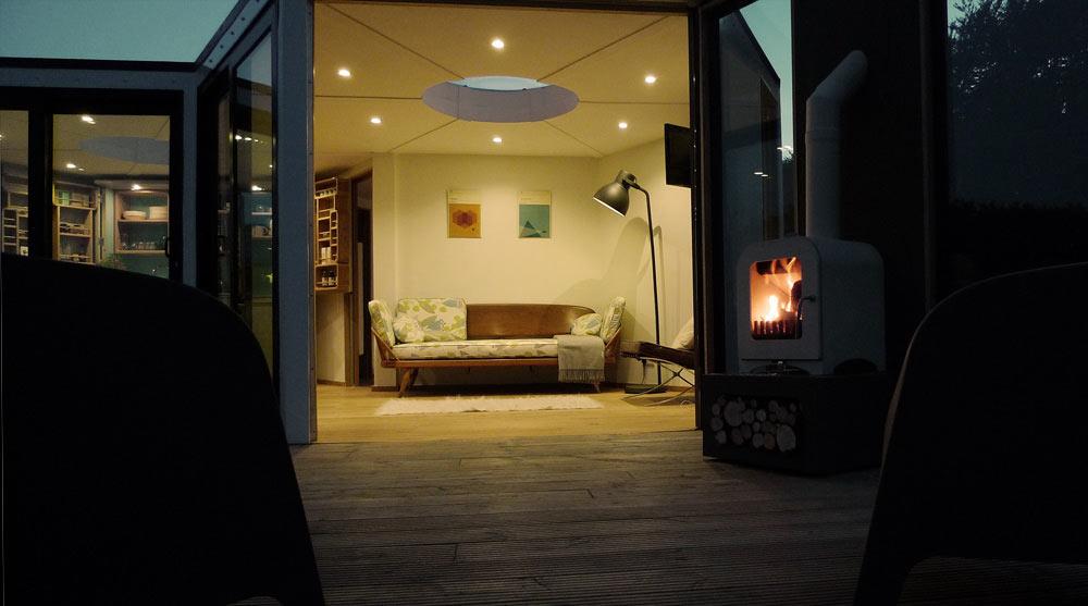 HIVEHAUS-Compact-modular-house-Barry-Jackson-13