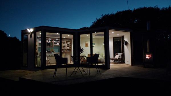 HIVEHAUS-Compact-modular-house-Barry-Jackson-14
