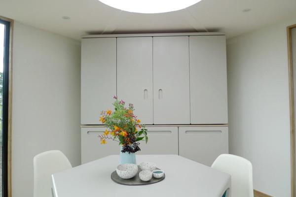 HIVEHAUS-Compact-modular-house-Barry-Jackson-6-kitchen