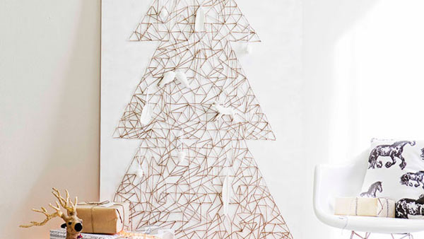 Holiday Decor String Art DIY Christmas