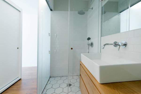 House-in-Israel-Raanan-Stern-14-bath