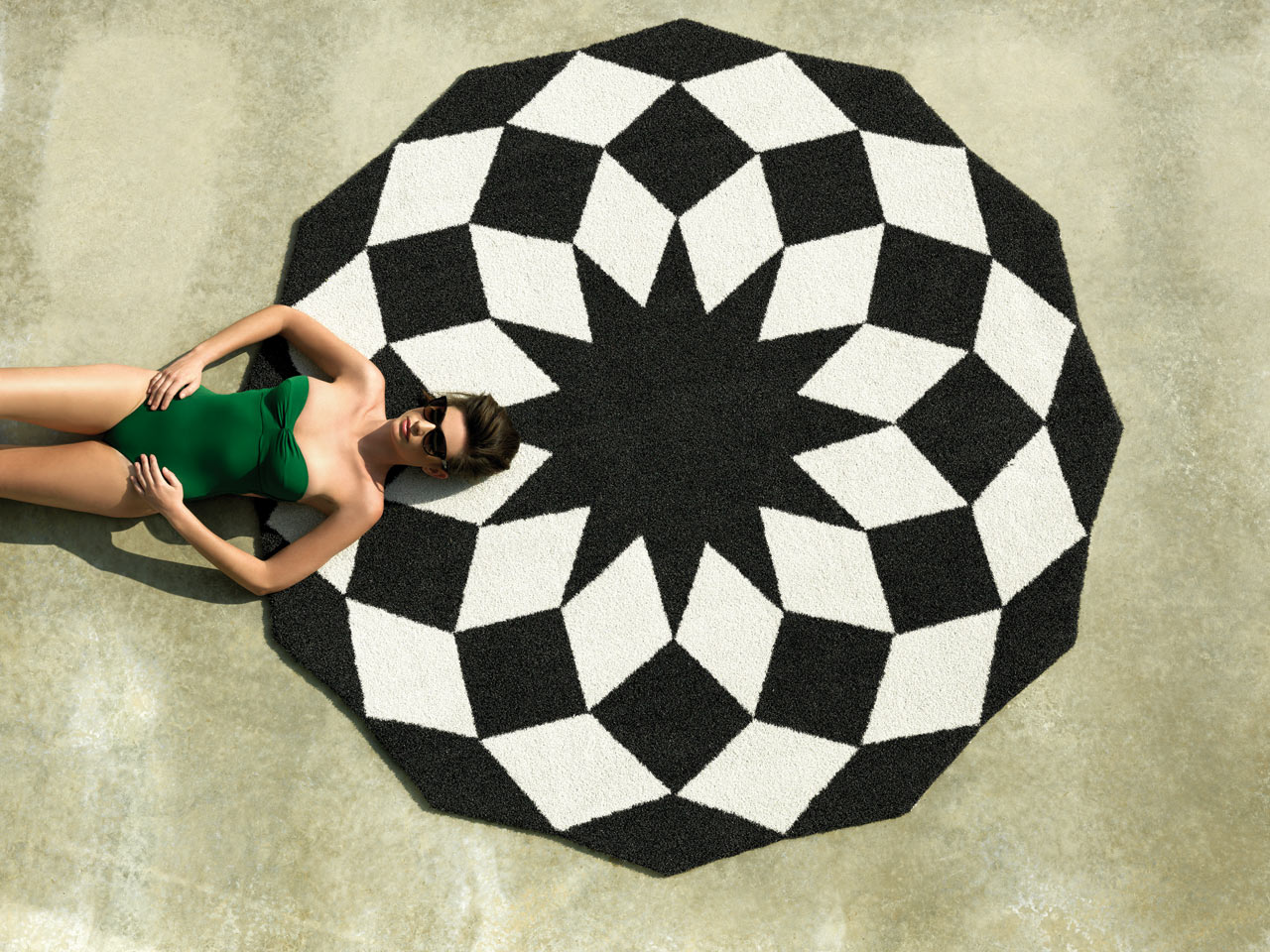 MARQUIS: A Rug Made for the Outdoors