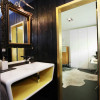 Seventeen-MplusA-London-House-13-bath-TC