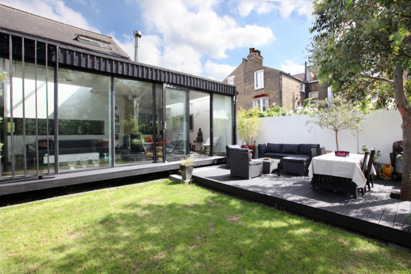 Seventeen-MplusA-London-House-3-PS