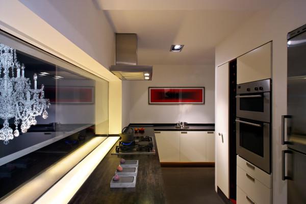 Seventeen-MplusA-London-House-9b-kitchen-TC