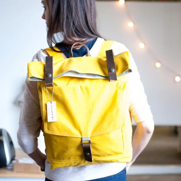 backpack-moop-yellow