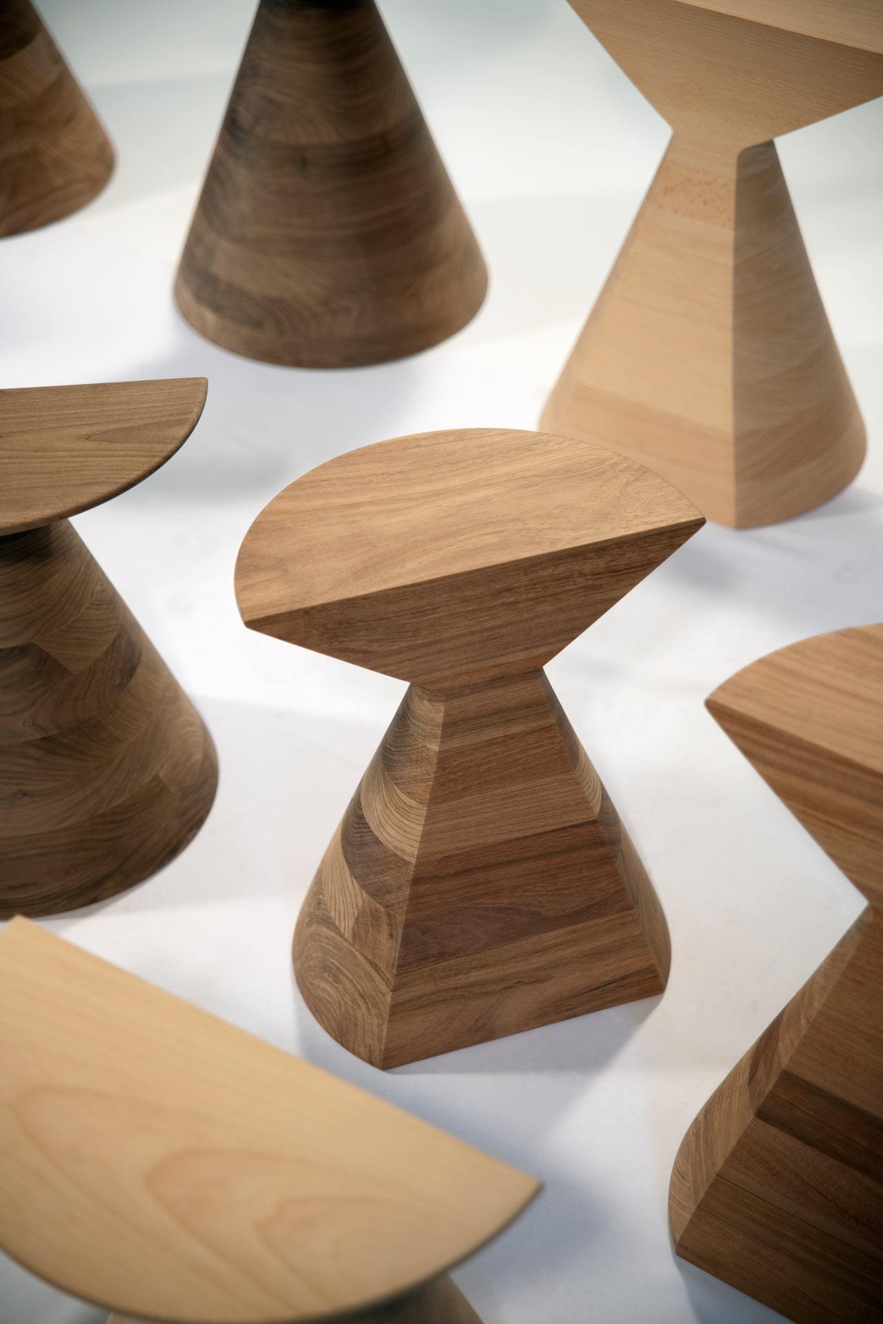 esrawe-BAN-stools