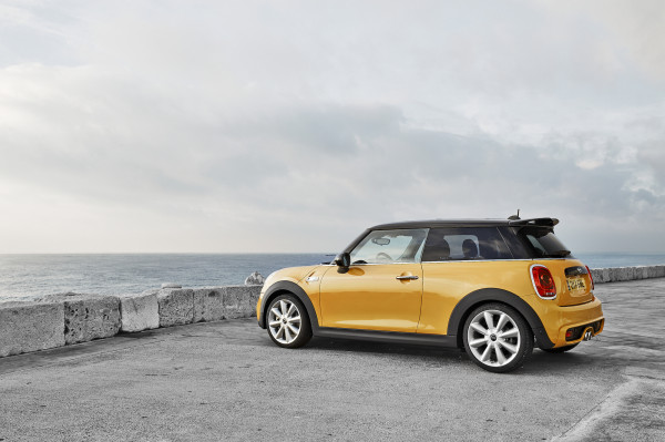 The New MINI in technology main  Category